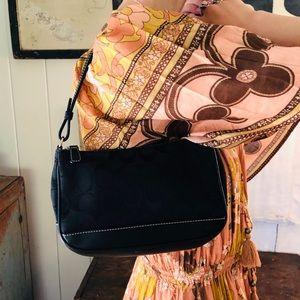 ♥️ Coach ♥️ Black Shoulder Bag